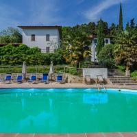 """Podere""""sulle soglie del Bosco"""" appartament and rooms, hotell i Pescia"""