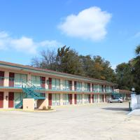 Travelers Inn Gainesville, hotel near Gainesville Regional Airport - GNV, Gainesville