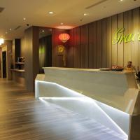 Grace Hotel, hotel in Zhonghe