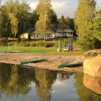 Hjortö Stugor & Stockhus, hotell i Ödkarby