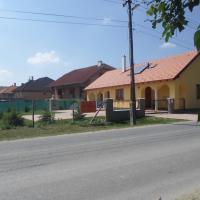 Kiserdő Vendégház, Hotel in Rajka