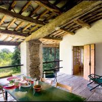 Agriturismo Famiglia al Castello Di Bagnolo, hotell i Bagnolo Piemonte