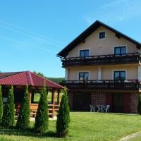 Jelena, hotel in Korenica