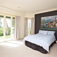 Tranquill Garden Hideaway, hotel em Ormeau