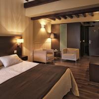Hotel Rural Plaza Mayor Chinchon, hotel in Chinchón