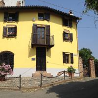 Altes Backhaus in Maranzana, hotell i Mombaruzzo