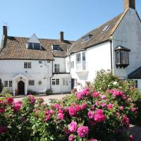 The Old House Cottages, hotel in Nether Stowey