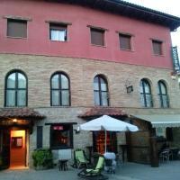 Hostal Suetxe, hotel in Los Arcos
