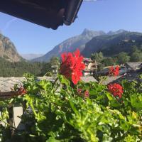 Casevacanza Val d'Ayas, hotel a Challand Saint Anselme