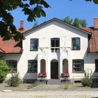 Borregården Bed & Breakfast, hotel in Borrby