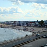 Atlantic Breeze Suites, hotel in Hampton