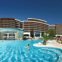 Flamingo Grand Hotel & Spa, отель в Албене