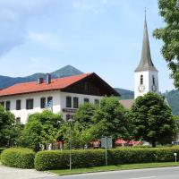 Gasthof Prinzregent Superior, hotel in Marquartstein