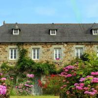 Manoir de Kerguezennec Holiday Home, hotel in Pontrieux