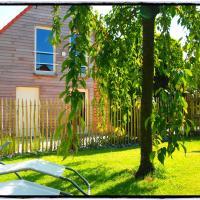 Archipel Holiday Cottage, отель в городе Ellezelles