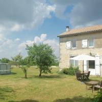 Charente Bed and Breakfast, hotel in Bernac