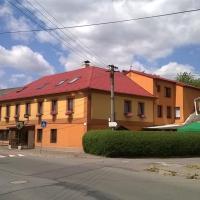 Penzion U Slunce, hotel en Jaroměř