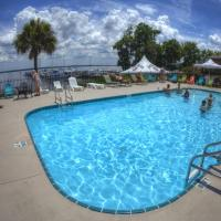 Crystal Cove Riverfront Resort, hotel in Palatka