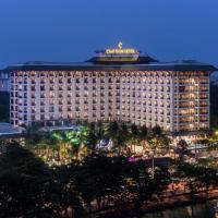 Chatrium Hotel Royal Lake Yangon, отель в Янгоне