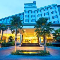 The Grand Riverside Hotel, hotel in Phitsanulok