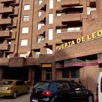 Apartamentos Turisticos Puerta de León, hotel in León