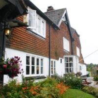 The Bear Inn and Burwash Motel, hotel in Burwash