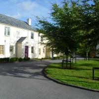 Bunratty Castle Gardens Home, hotel near Shannon Airport - SNN, Bunratty