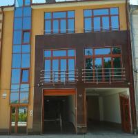 Vila Adriano, hotel din Turda