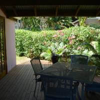 Hibiscus House, hotel in Flying Fish Cove