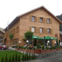 Tre Soli Appartements Restaurant, hotel in Schoppernau
