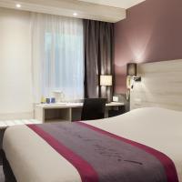 Kyriad Lille Est - Villeneuve d'Ascq, hotel in Villeneuve d'Ascq