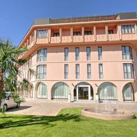 Hotel Habitat, hotell i Giussano