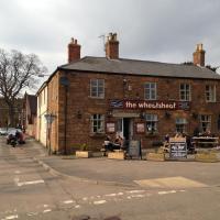 The Wheatsheaf, hotel in Crick
