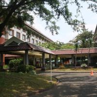 Hotel Bumi Wiyata, hotel in Depok