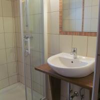 Apartment Sever, hotel in Idrija