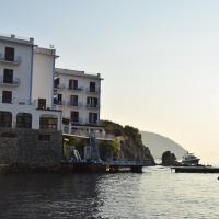 Hotel Rocce Azzurre, hotell i Lipari