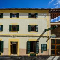 Embat - alberg juvenil, hotel in Montuiri