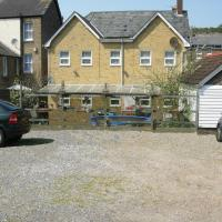 Longfield Guest House, Hotel in Dover