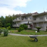Elia Apartments, отель в городе Ореой