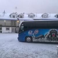 North Adventure Inn, hotel em Cochrane