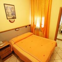 Hotel Casanova, khách sạn ở Napoli