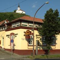 Alabárdos Panzió és Apartmanház, hotel v Ostřihomi