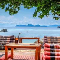 Ten Moons Lipe Resort, hotel in Ko Lipe Sunrise Beach, Ko Lipe