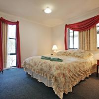 Serenity Grove, hotel in Broke