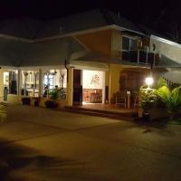 Admiral Nelson Motor Inn, hotel in Nelson Bay