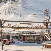 Mary-Ann's Polarrigg, hotel in Longyearbyen