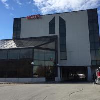 Montecassino Hotel & Suites, hotel em Toronto