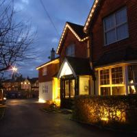 Corner House Hotel Gatwick, hotel in Horley