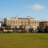 The Royal Hotel, hotel in Crosby