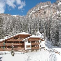 Hotel Villetta Maria Cottage, hotel a Canazei